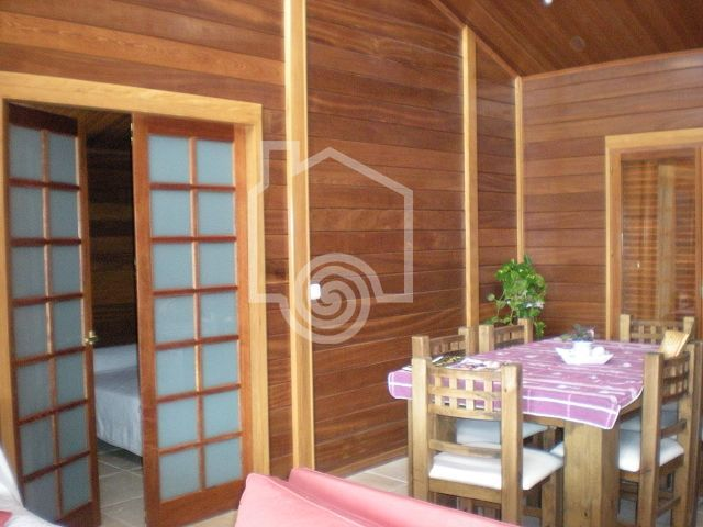 PRINCIPE I PARED DOBLE. CASAS DE MADERA