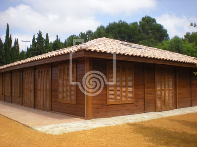OSUNA PARED DOBLE. CASAS DE MADERA
